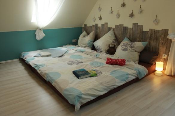 Familienbett aus Matratzen